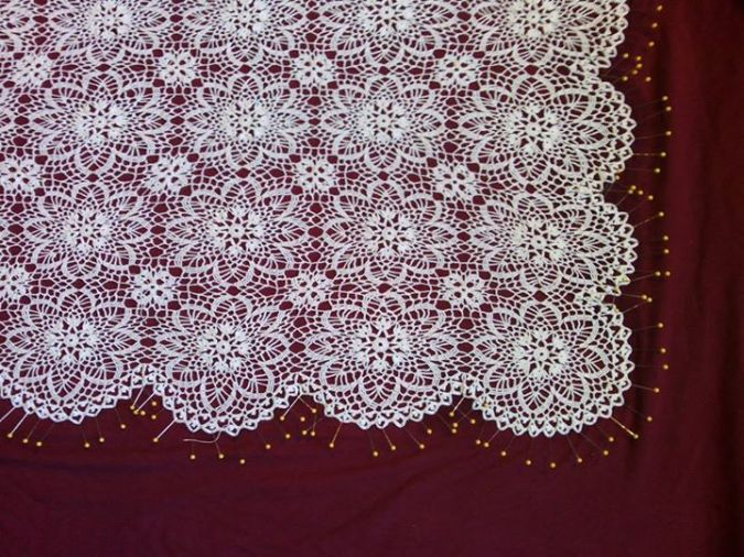 """Pond Lily"" lace: blocked with border"