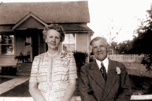 Ada and Moroni Almond on their 50th wedding anniversary.